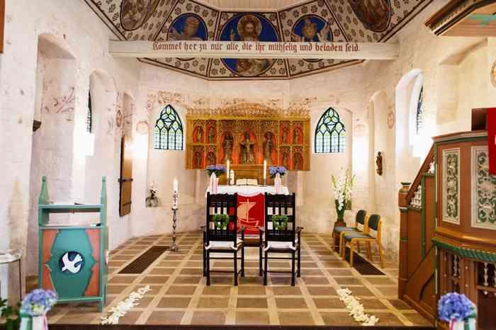 Altarraum der Wolterdinger Kirche