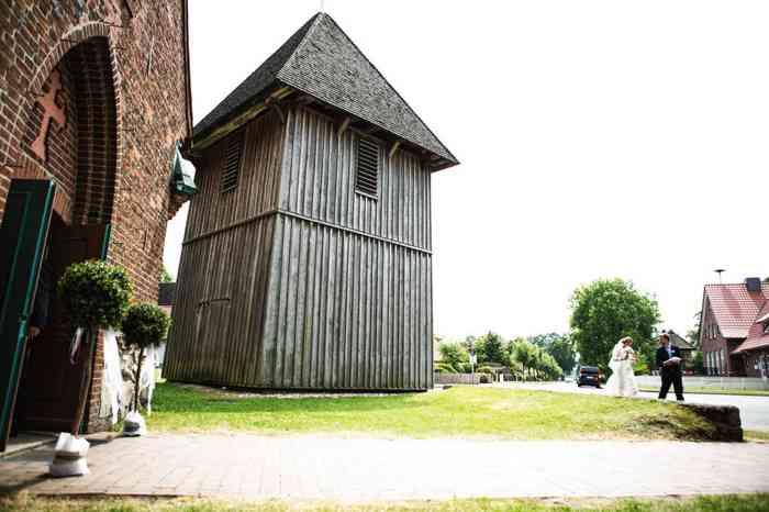 Glockenturm der Wolterdinger Kirche