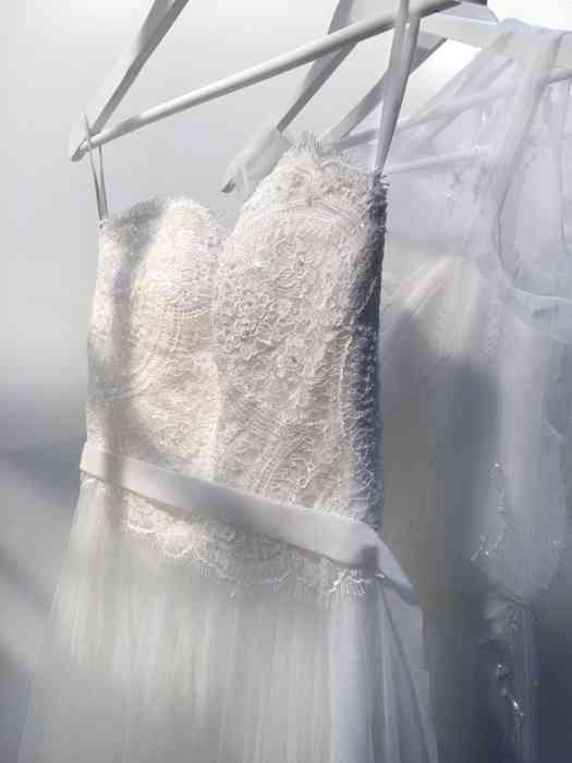 Wediva Brautkleid - Oberteil Spitze und Rock aus Tüll