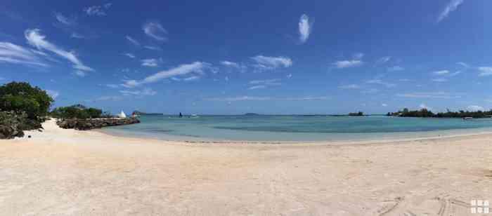 Ein malerischer Strand für Honeymooner auf Mauritius.