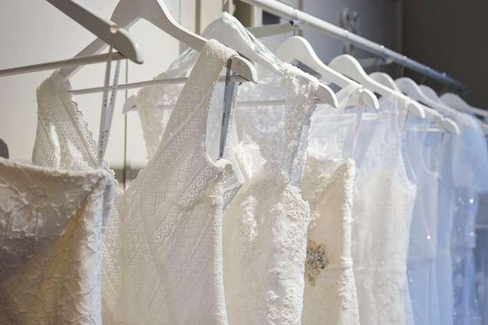 Glamourös oder schlicht? Wie soll das Brautkleid sein?