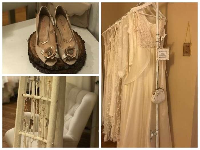 Neben Brautkleidern gibt es auch Boleros, Schuhe und Accessoires zu entdecken.