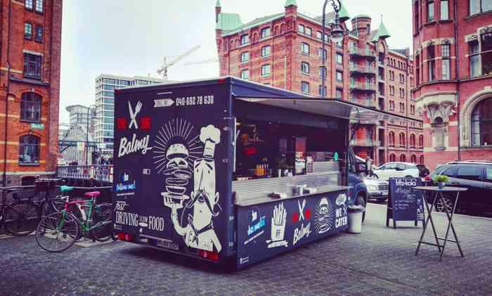 Der Künstler Tronje Thole van Ellen hat den Food Truck von The Big Balmy gestaltet.