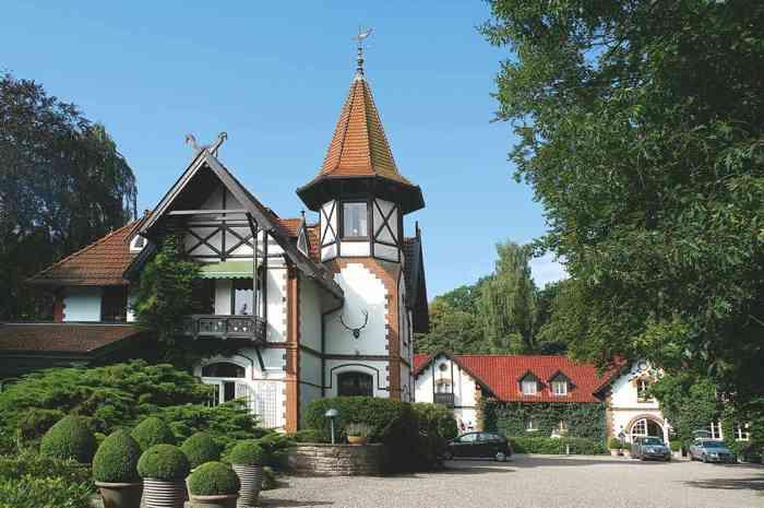 Das malerische Jagdhaus Waldfrieden.