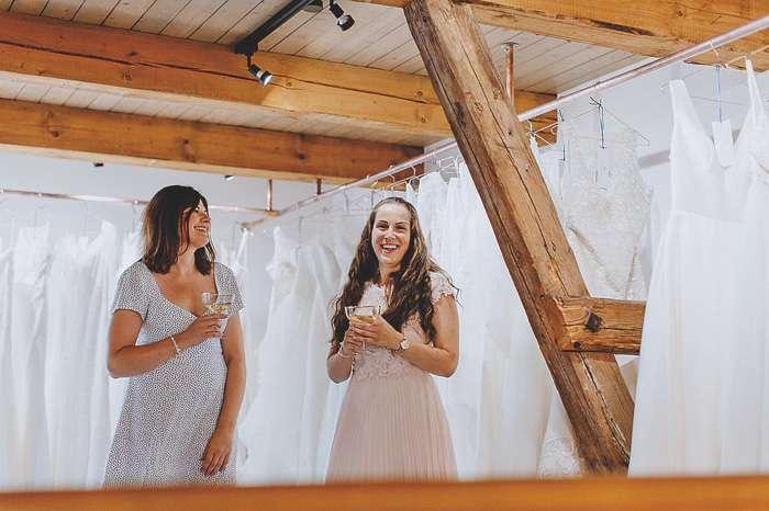 Katja und Josephine Eröffnung Hochzeitsspeicher an der Elbe Boizenburg