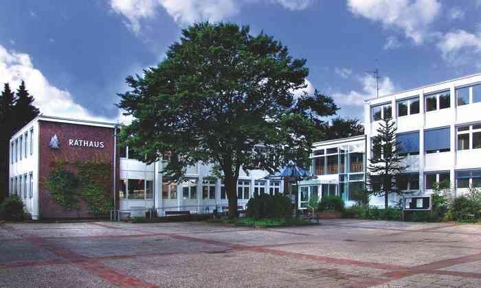 Das Standesamt Halstenbek im Kreis Pinneberg ist ein beliebter Trauort für Brautpaare aus Hamburg und dem Umland.