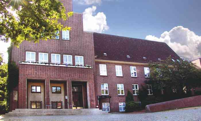 Das Standesamt Wedel im Kreis Pinneberg ist ein beliebter Trauort für Brautpaare aus Hamburg und dem Umland.