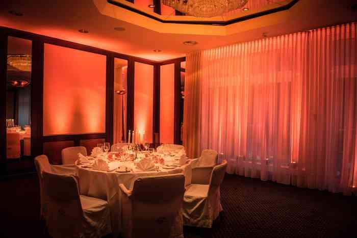 Hochzeitslocation Parkhotel Ahrensburg präsentiert von Eventagentur Blankenese.
