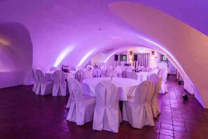 Hochzeitslocation Gewölbekeller Schloss Ahrensburg präsentiert von Eventagentur Blankenese.