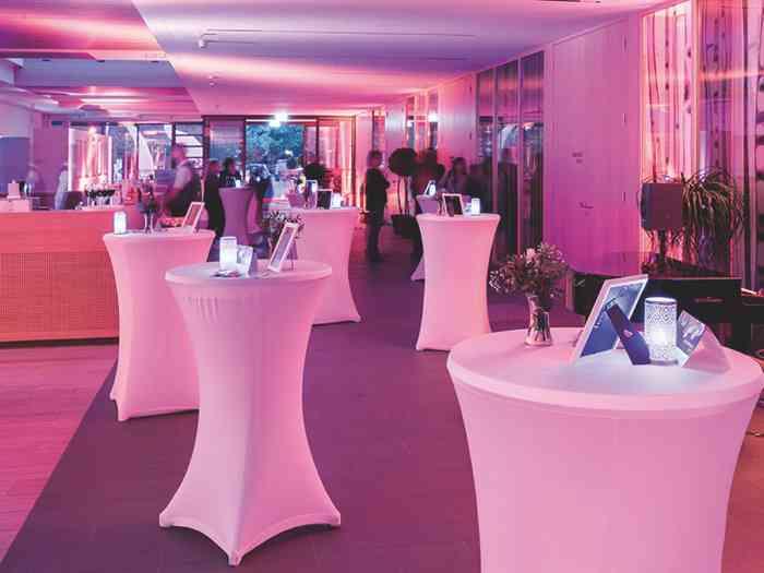 Zwischen 11 und 18 Uhr präsentieren sich im Kurhaus Bad Bevensen u.a. Juweliere, Foto- grafen und Stylisten.