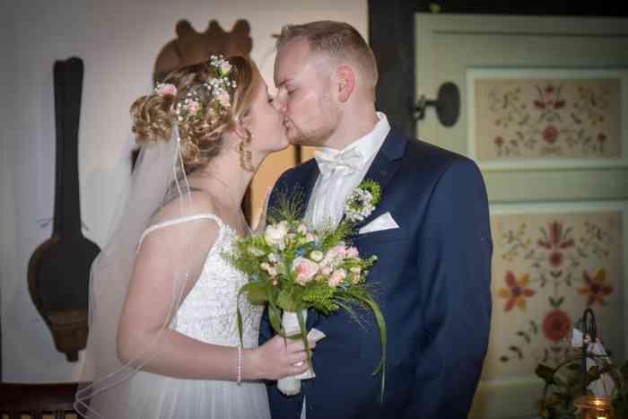 motiv pictures Sönke Kreowski Braut und Bräutigam bei der Trauung