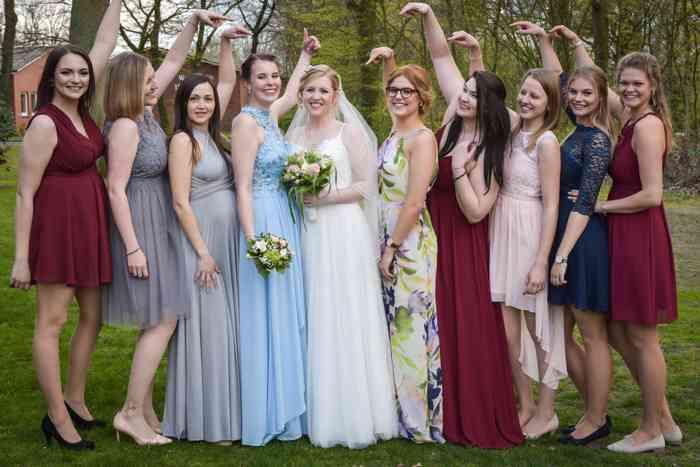 motiv pictures Gruppenfoto Braut und Brautjungfern