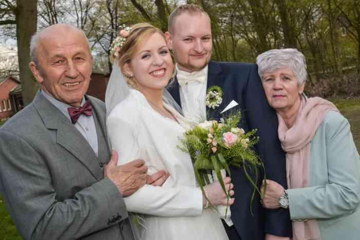 motiv pictures Brautpaar und Eltern Großeltern Gruppenfotos