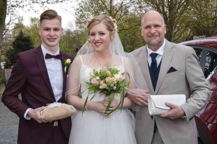 motiv pictures Sönke Kreowski zeigt Braut mit Brautvater