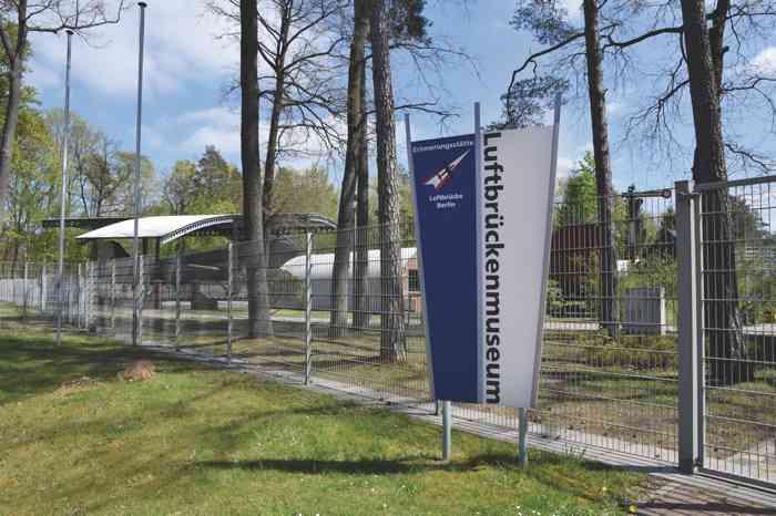 Trauort Luftbrückenmuseum DC3-Flyer Standesamt Faßberg